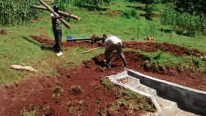 The Water Project : 33-kenya4720-construction