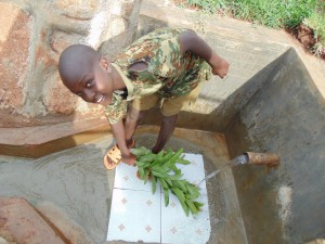 The Water Project : 37-kenya4720-clean-water