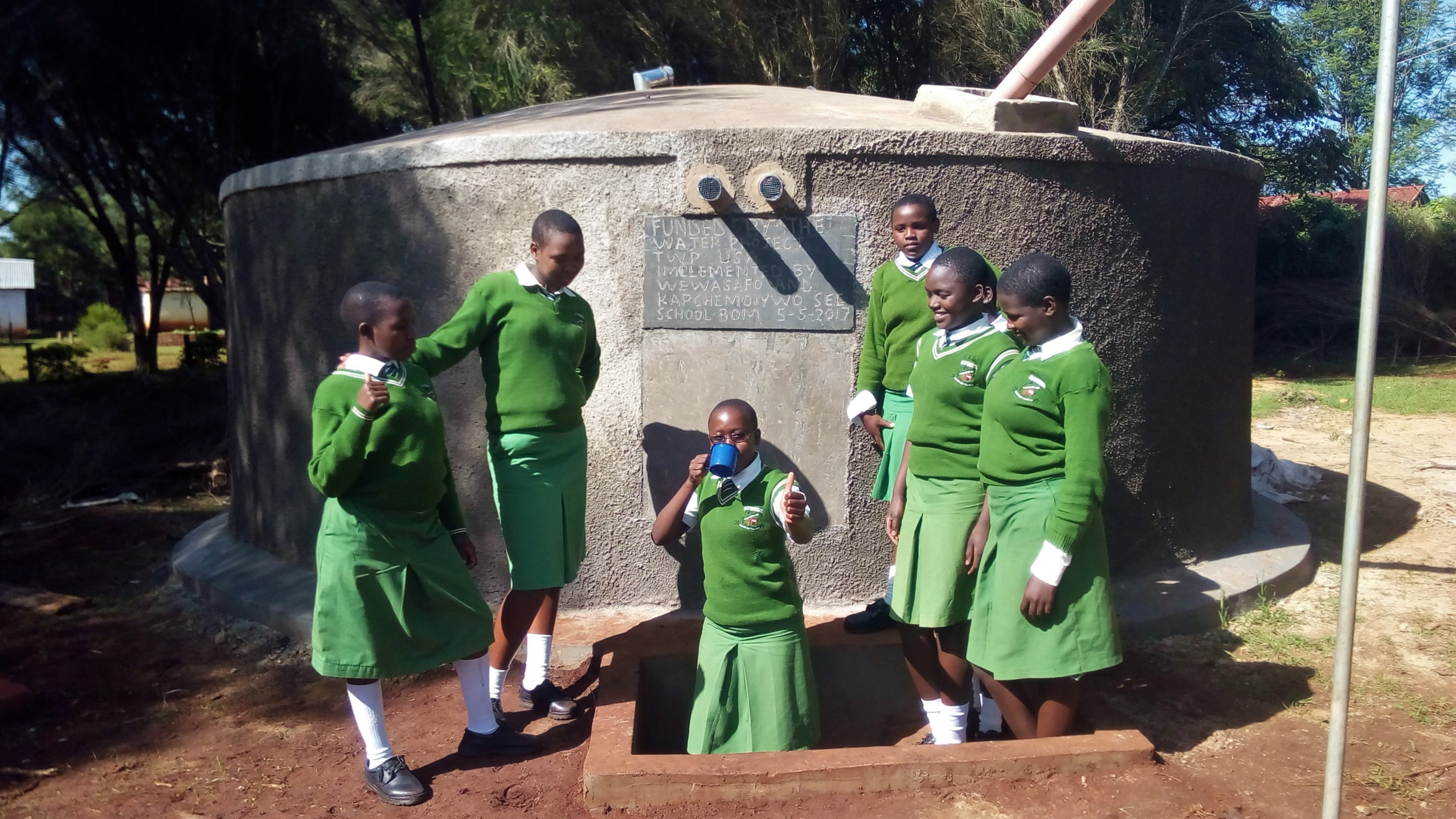 The Water Project : 39-kenya4653-finished-tank