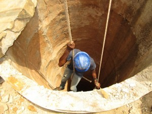The Water Project : 40-sierraleone5105-drilling