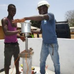 The Water Project : 41-sierraleone5104-pump-installation