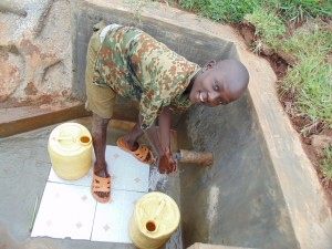 The Water Project : 42-kenya4720-clean-water