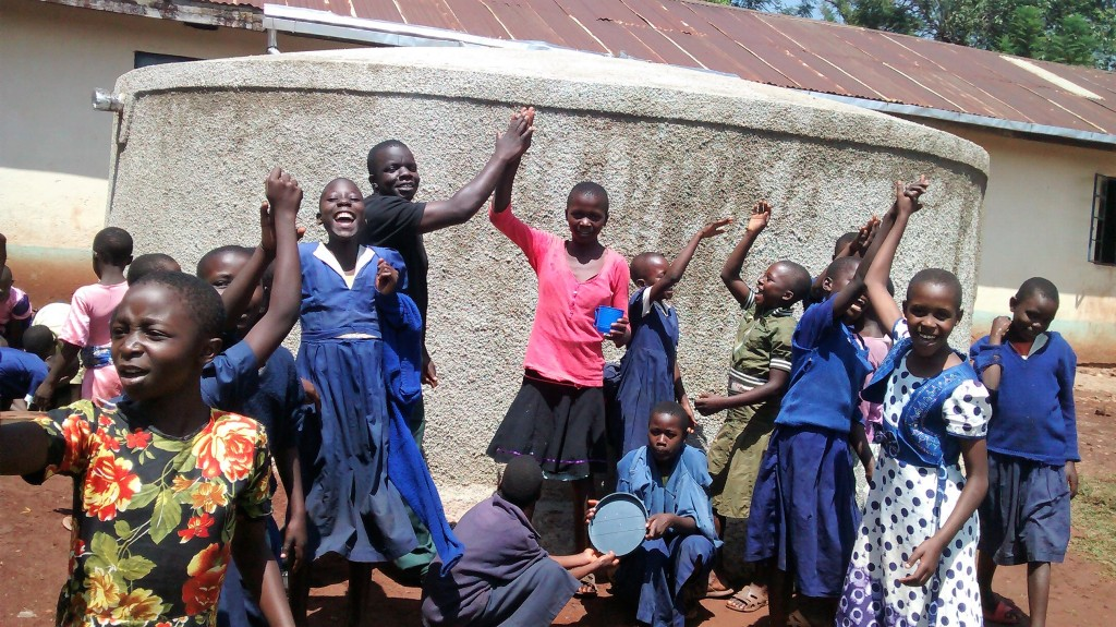 The Water Project : 45-kenya4654-clean-water