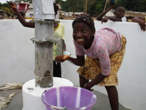 The Water Project : 45-sierraleone5104-clean-water