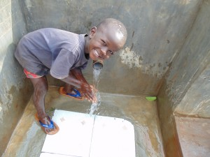 The Water Project : 46-kenya4720-clean-water