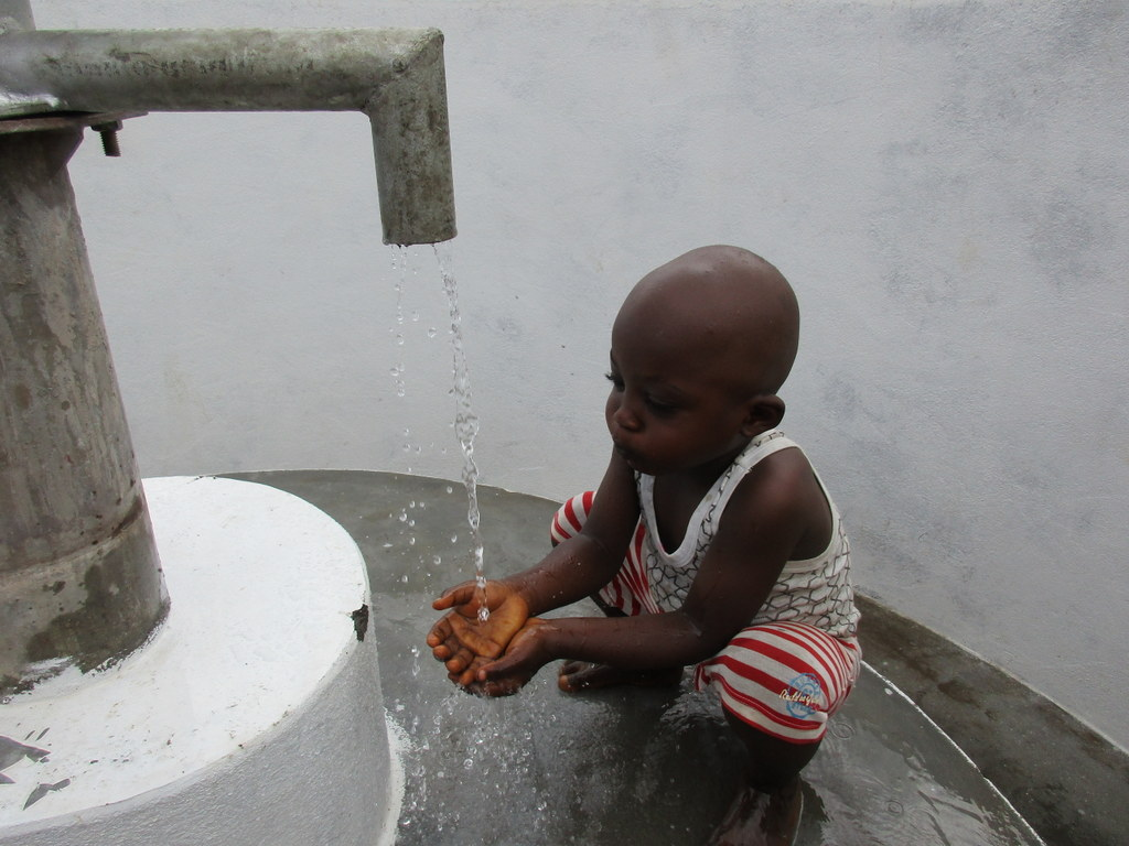 The Water Project : 47-sierraleone5104-clean-water