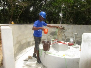 The Water Project : 47-sierraleone5107-installing-pump