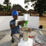 The Water Project : 48-sierraleone5106-pump-installation