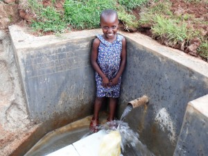 The Water Project : 51-kenya4720-clean-water