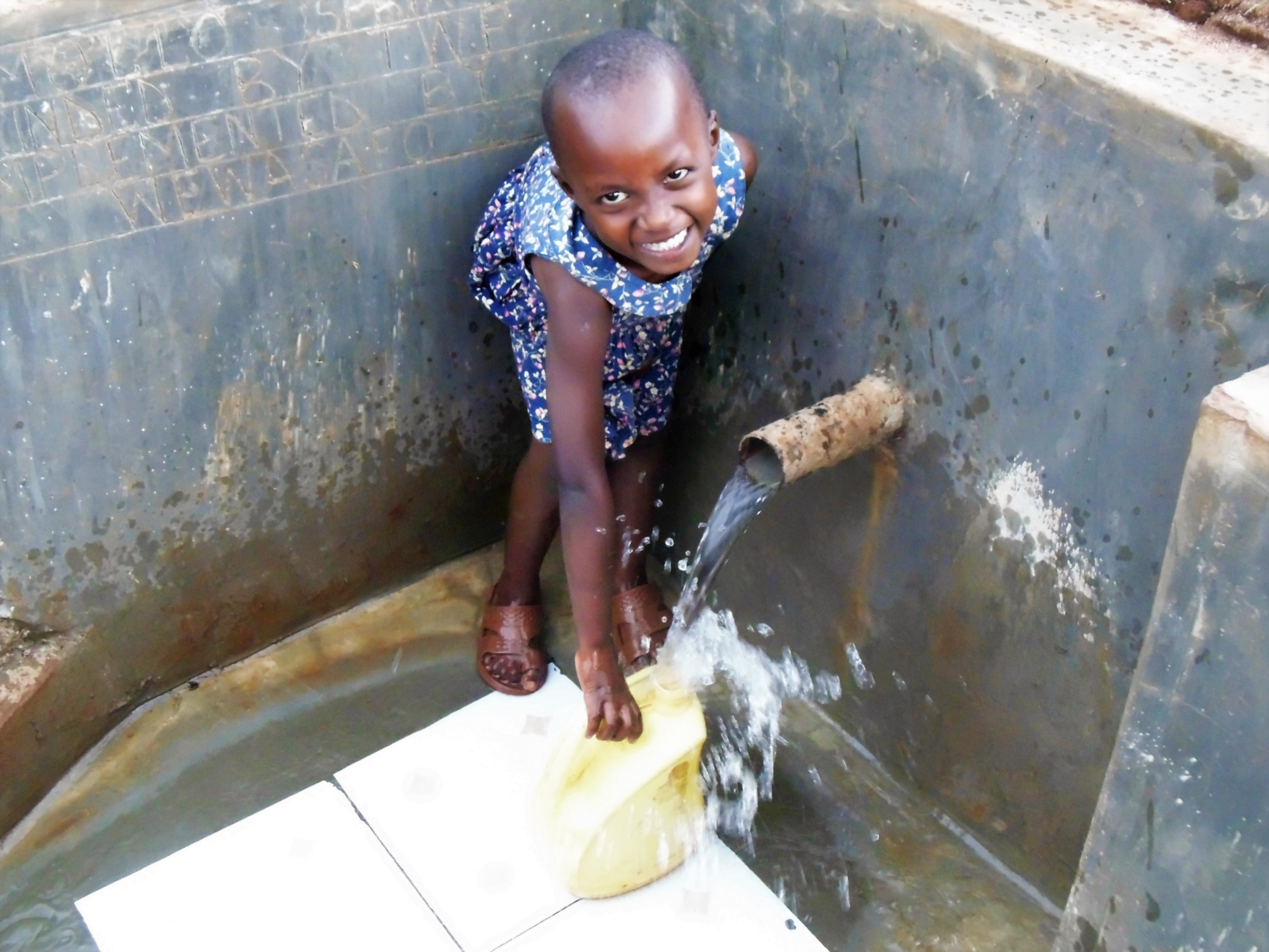 The Water Project : 52-kenya4720-clean-water