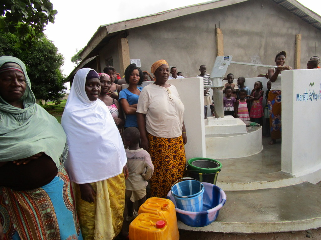 The Water Project : 52-sierraleone5108-clean-water