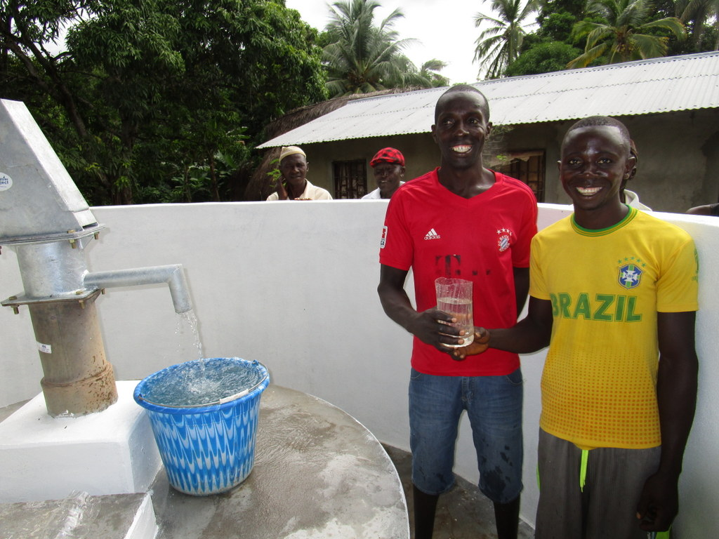 The Water Project : 58-sierraleone5112-clean-water-celebration