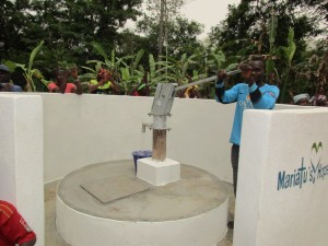 The Water Project : 65-sierraleone5105-clean-water
