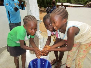 The Water Project : 66-sierraleone5105-clean-water