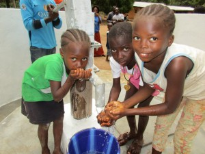 The Water Project : 67-sierraleone5105-clean-water