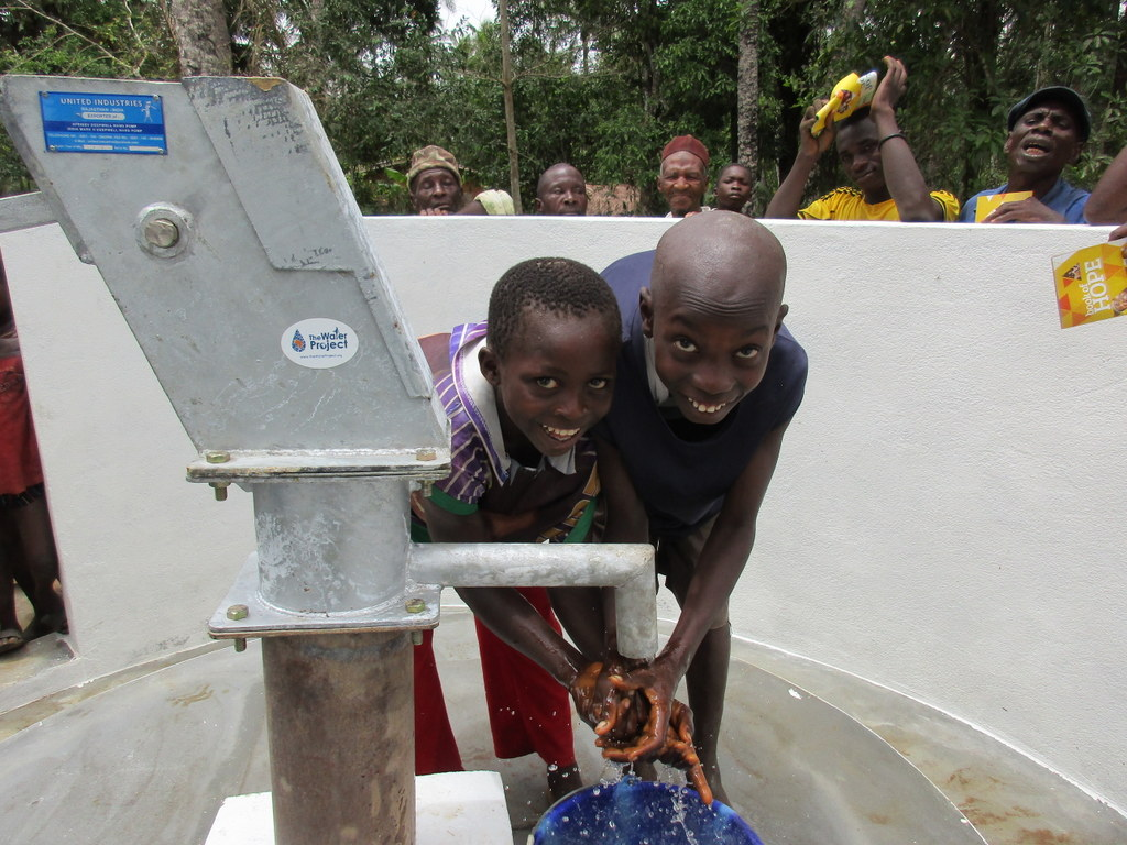The Water Project : 68-sierraleone5105-clean-water