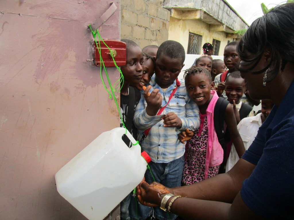8 sierraleone5109 hand-washing