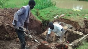 The Water Project : 9-kenya4720-construction
