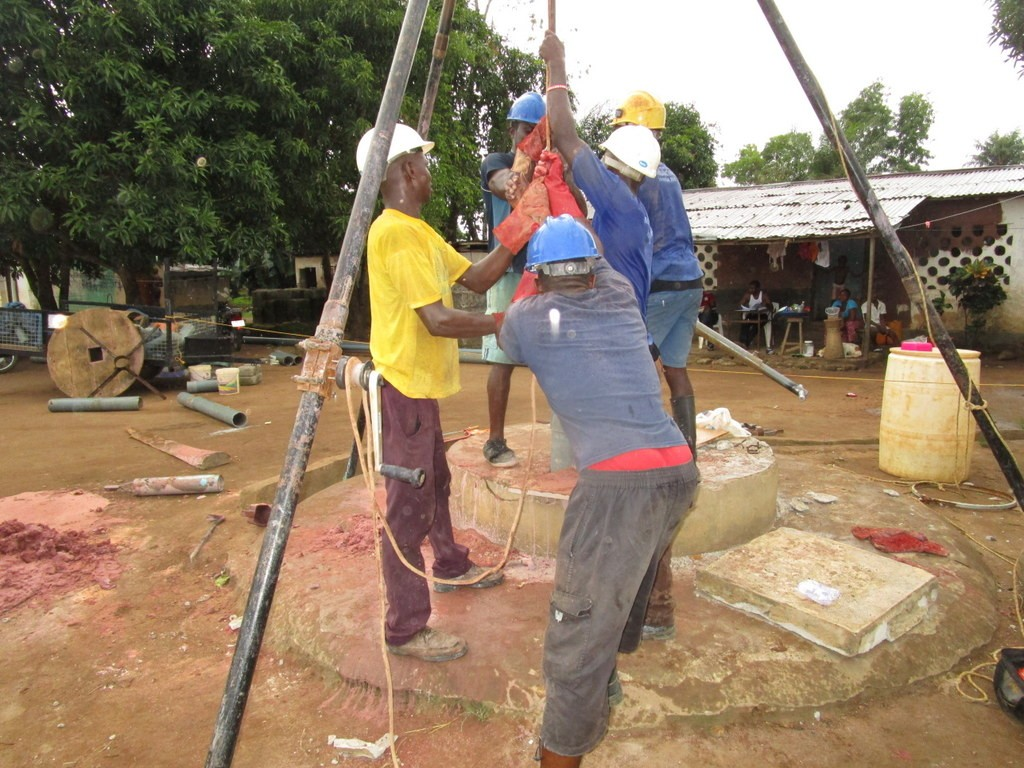 The Water Project : 10-sierraleone5116-drilling