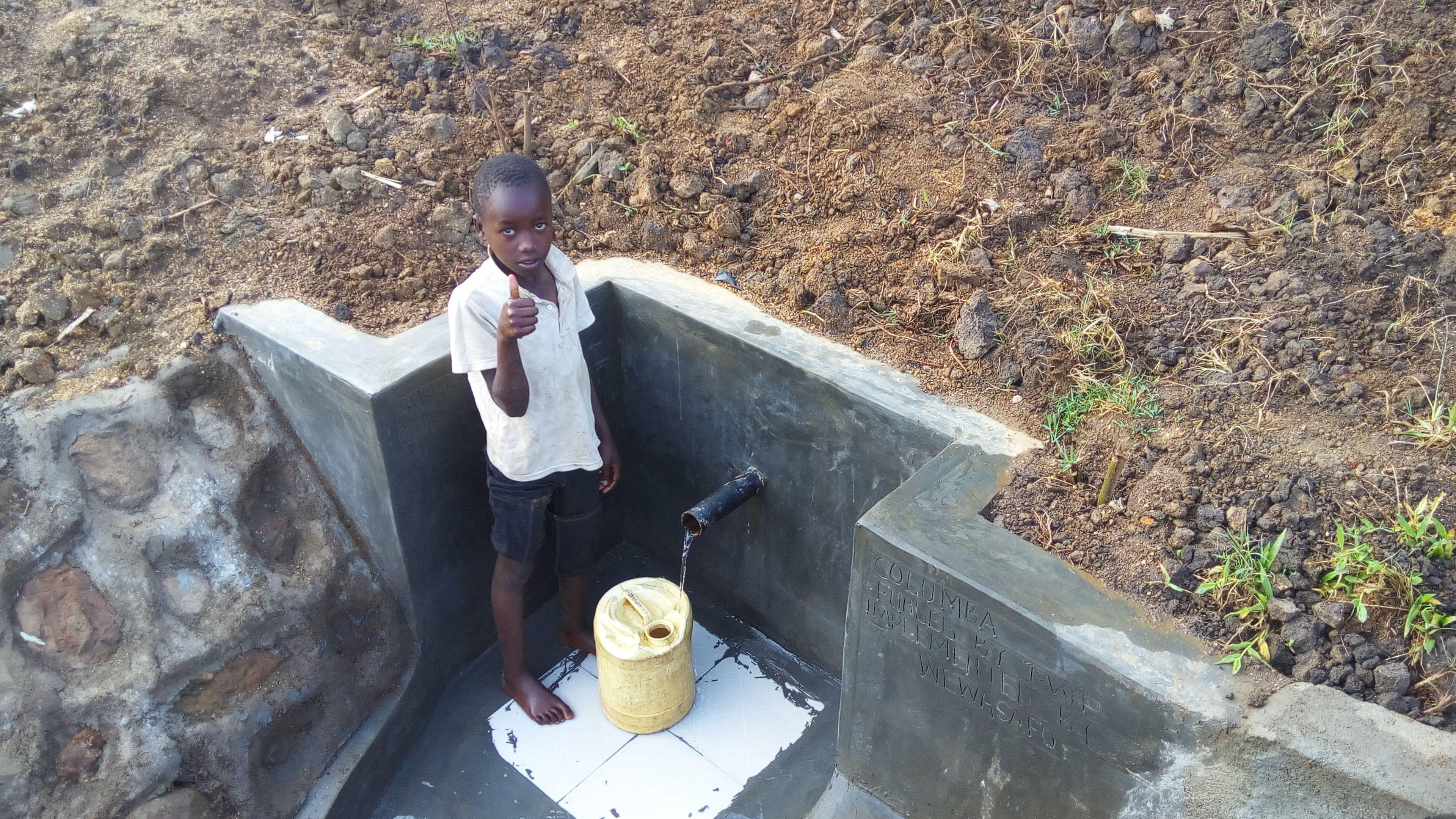 The Water Project : 13-kenya4705-clean-water