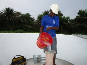 The Water Project : 13-sierraleone5121-pump-installation