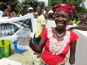 The Water Project : 18-sierraleone5121-clean-water