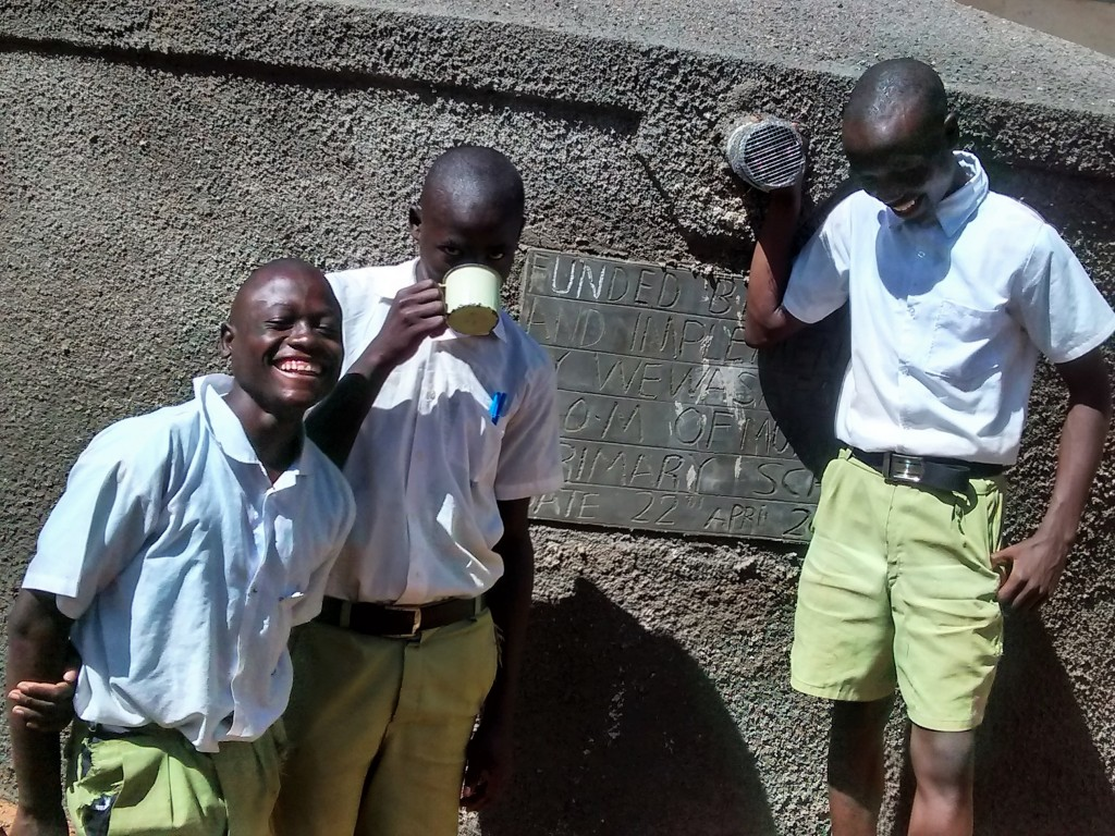 The Water Project : 19-kenya4663-clean-water