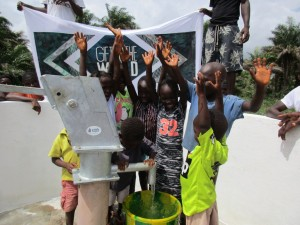 The Water Project : 19-sierraleone5121-clean-water