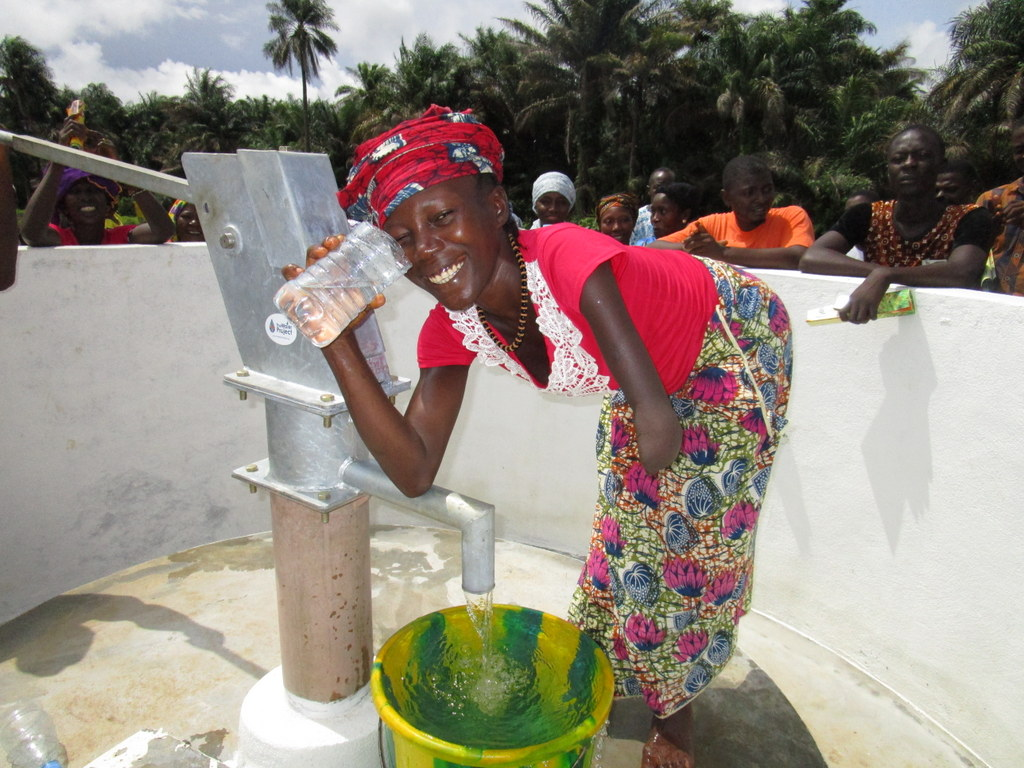 The Water Project : 23-sierraleone5121-clean-water