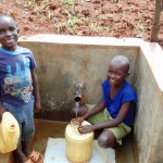 The Water Project : 26-kenya4719-clean-water