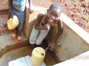 The Water Project : 27-kenya4719-clean-water