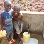 The Water Project : 28-kenya4719-clean-water