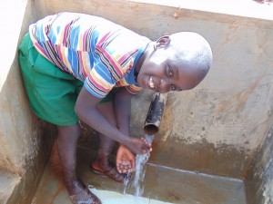 The Water Project : 29-kenya4719-clean-water
