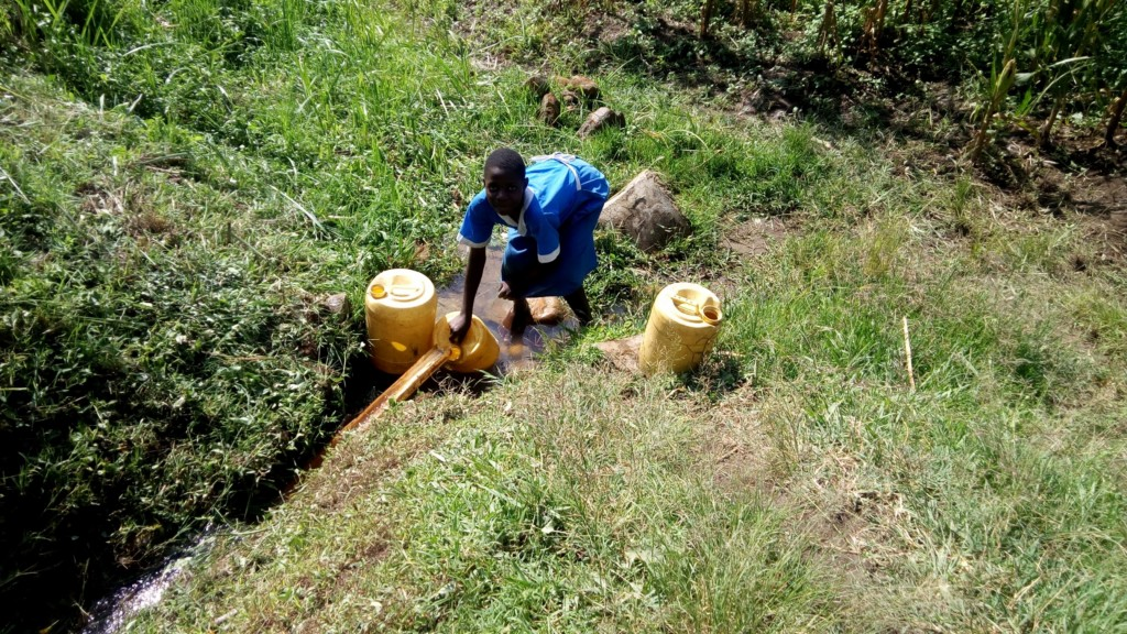 The Water Project : 3-kenya4848-fetching-water