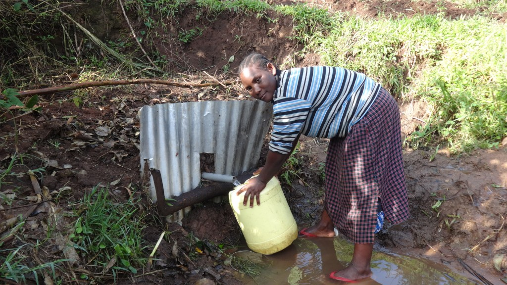The Water Project : 3-kenya4850-fetching-water
