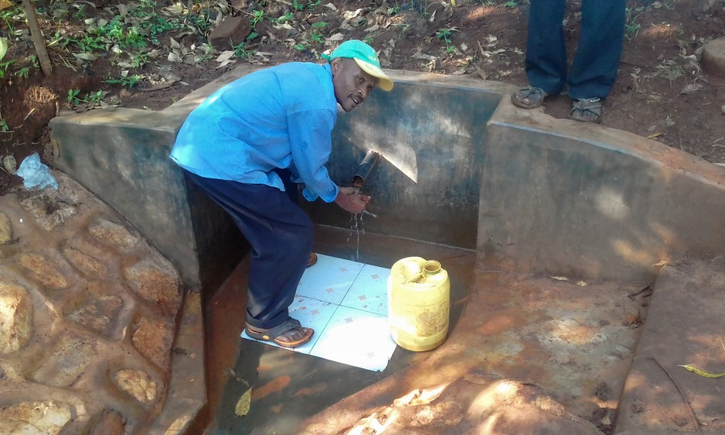 The Water Project : 7-kenya4723-clean-water
