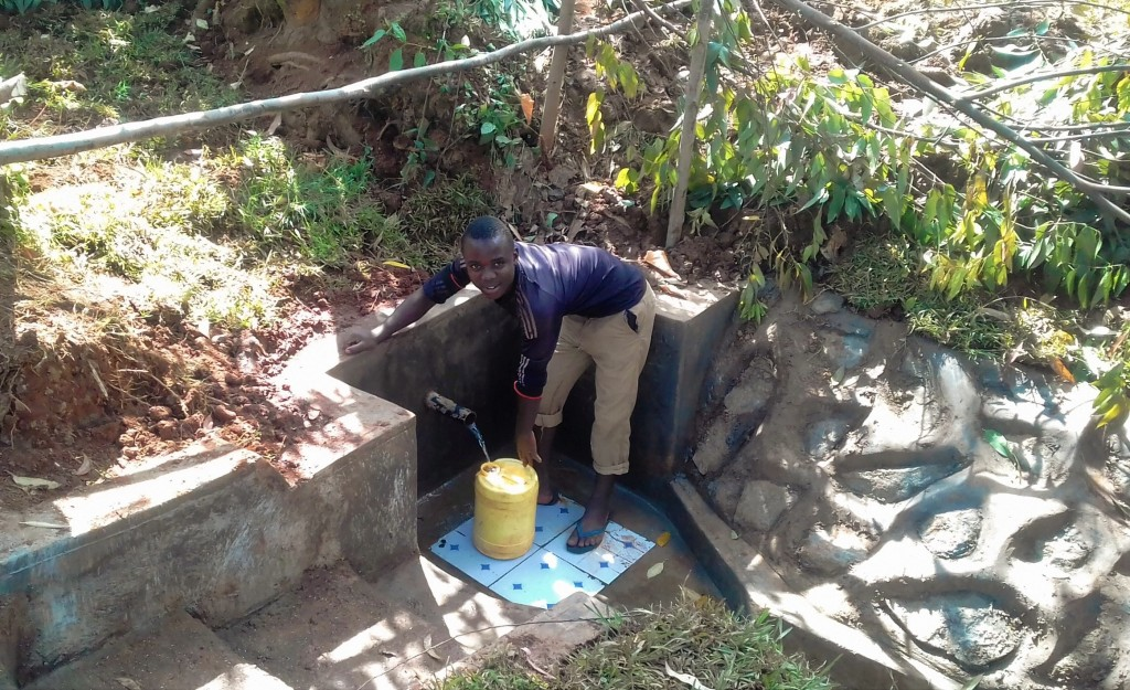 The Water Project : 7-kenya4724-clean-water