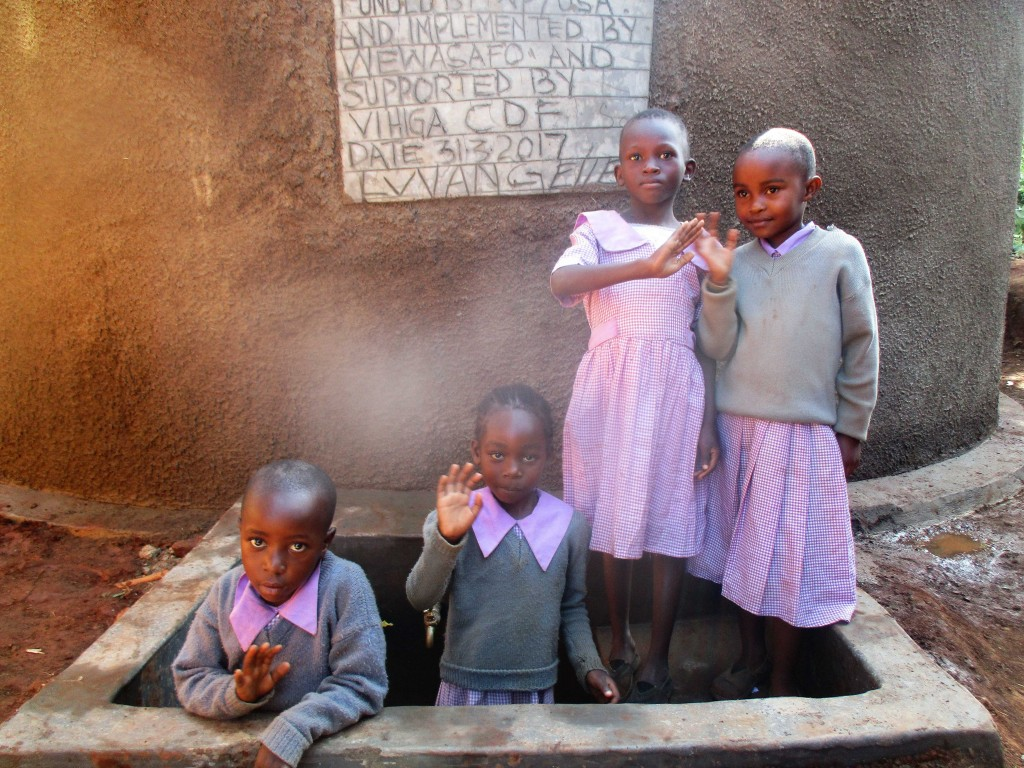 The Water Project : 12-kenya4662-clean-water