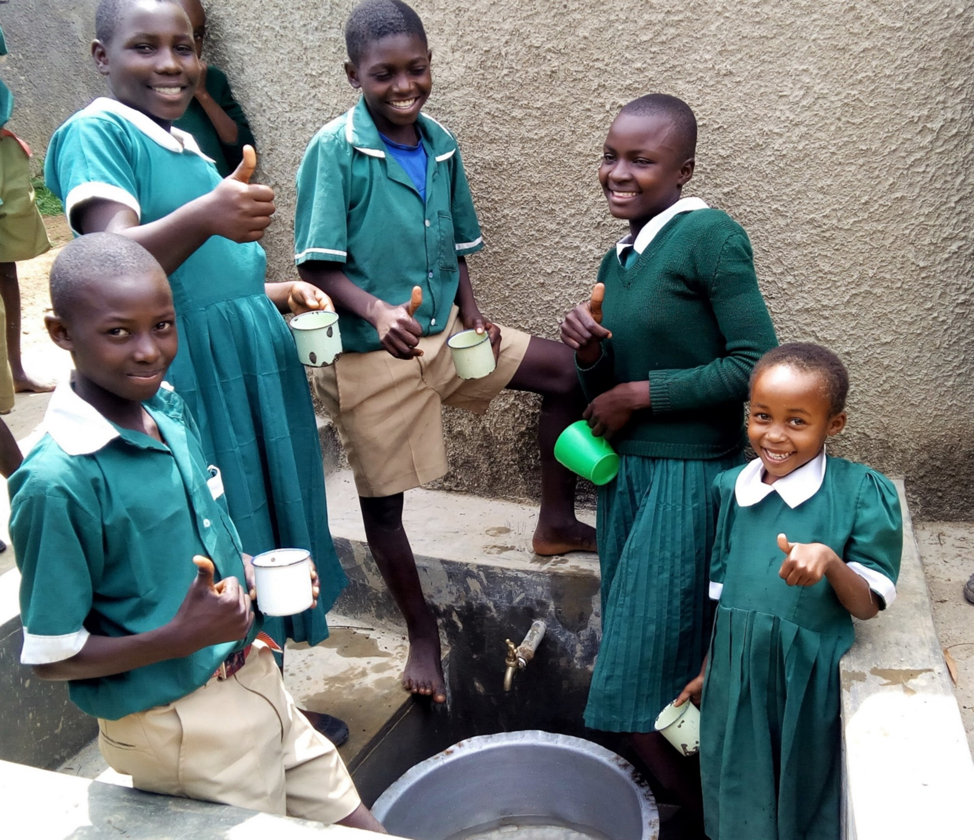 The Water Project : 14-kenya4657-clean-water