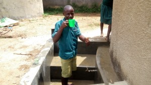 The Water Project : 15-kenya4657-clean-water