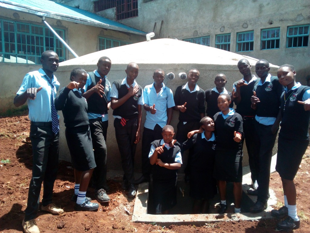 The Water Project : 16-kenya4660-finished-tank