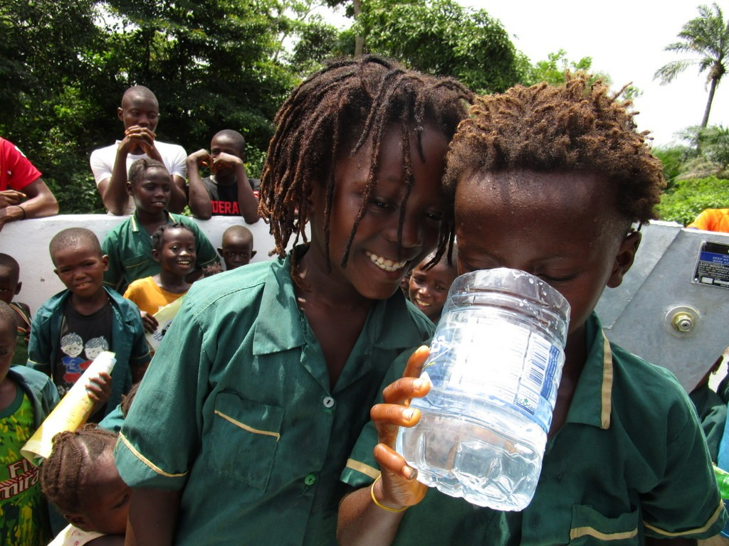 The Water Project : 23-sierraleone5119-clean-water