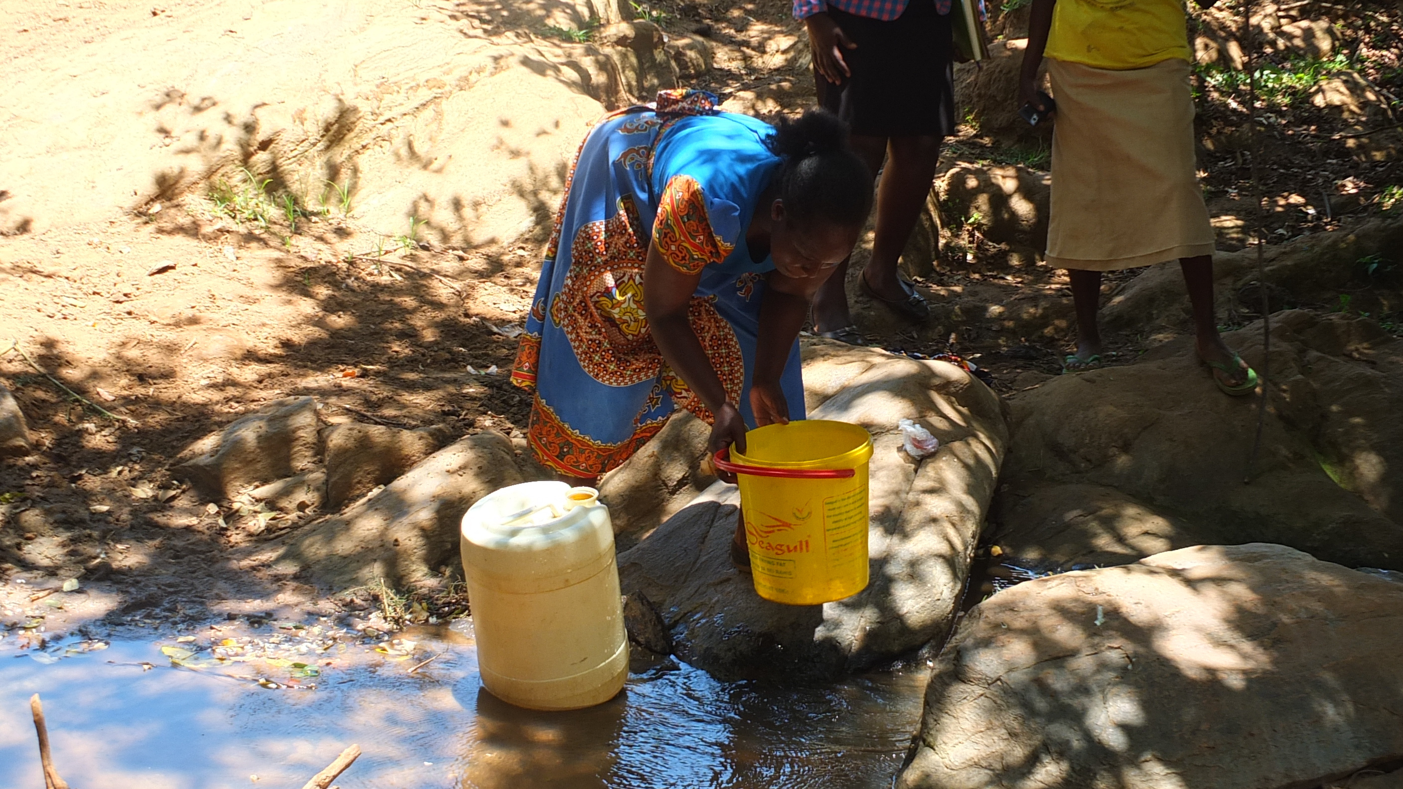 The Water Project : 6-kenya4804-fetching-water
