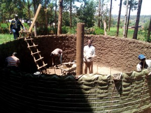 The Water Project : 9-kenya4660-tank-construction