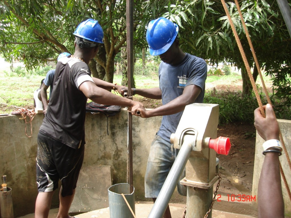 The Water Project : 9-sierraleone5118-drilling