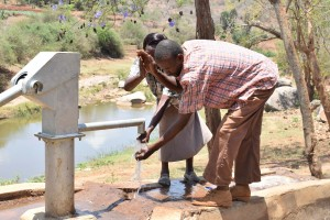 The Water Project : 10-kenya4778-clean-water
