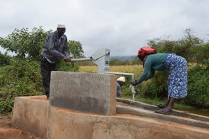 The Water Project : 10-kenya4785-clean-water