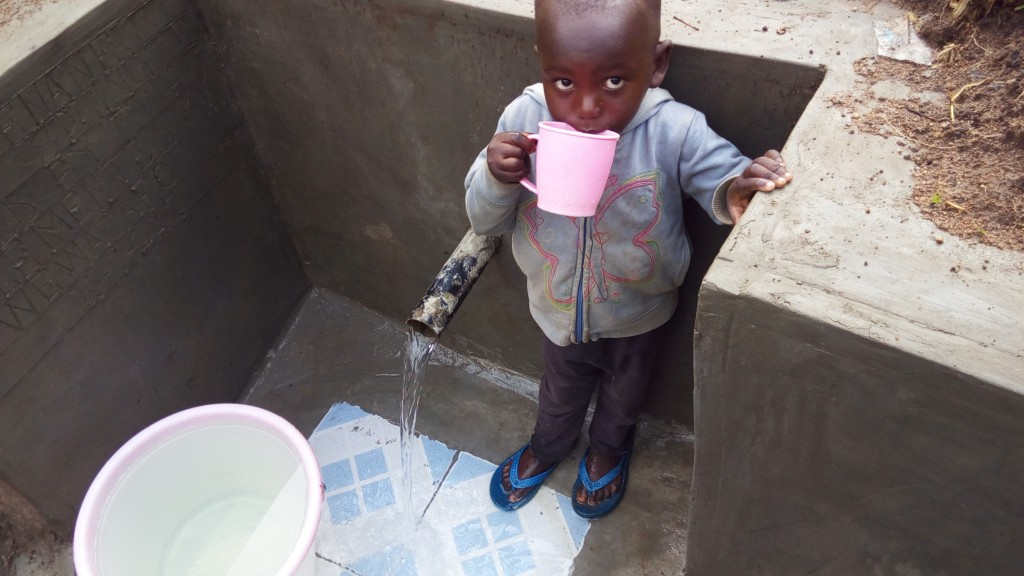 The Water Project : 10-kenya4844-clean-water