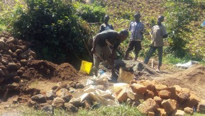 The Water Project : 11-kenya4737-construction