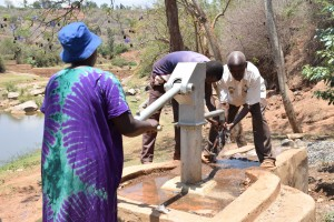 The Water Project : 11-kenya4778-clean-water